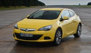 Vauxhall Astra GTC 1.6T SRi front static
