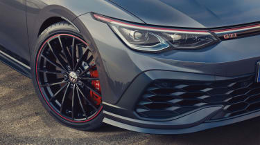Volkswagen Golf GTI Clubsport 45 - headlight