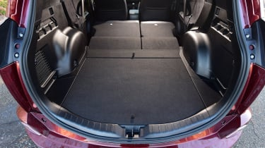 Toyota RAV4 Diesel 2016 - boot space seats flat