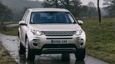 Land Rover Discovery Sport MY2107 - front quarter