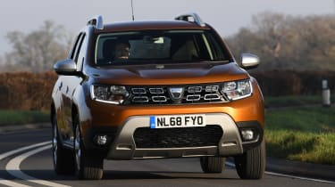 Dacia Duster - front cornering