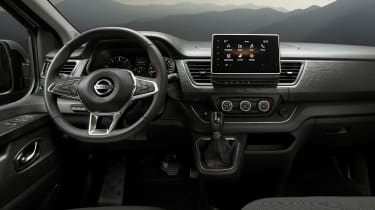 Nissan NV300 Combi - dash