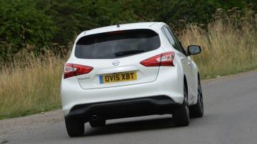 Nissan Pulsar - rear cornering