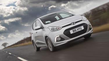 Hyundai i10 1.2 Premium front action