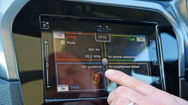 Suzuki Vitara - screen