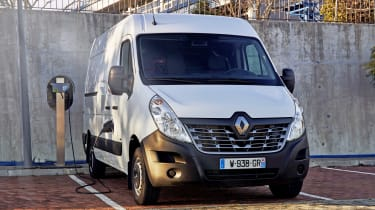 Renault Master Z.E - on charge