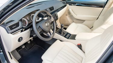 Skoda Superb interior front