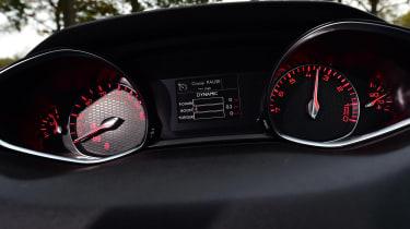 Peugeot 308 GTi - dials