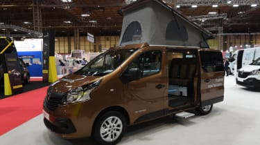 Renault Trafic brown