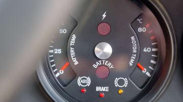 Porsche 911 Everrati - dial