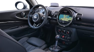 MINI Clubman ALL4 2016 - interior 2