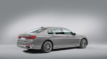BMW 7 Series facelift - rear studio