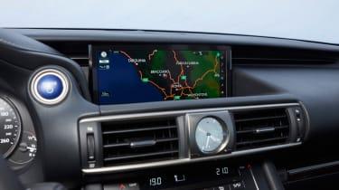 Lexus IS 2017 - infotainment