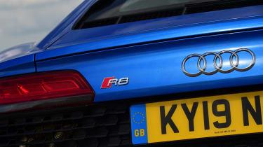 Audi R8 V10 - rear badge