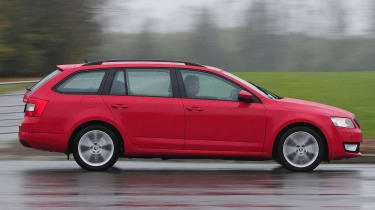 Skoda Octavia Estate long-termer - panning