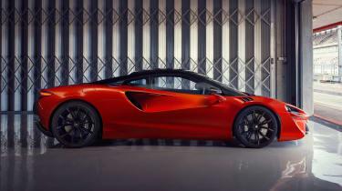 McLaren Artura - side static