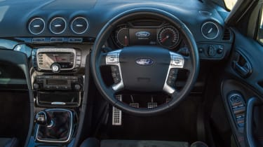 Used Ford S-MAX review interior