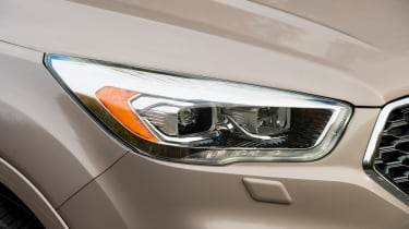 Ford Kuga Vignale 2016 - front headlight