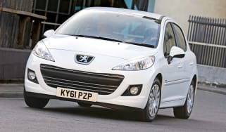 Peugeot 207 Oxygo+ front cornering
