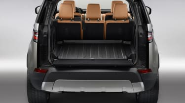 Land Rover Discovery 2017 - official boot