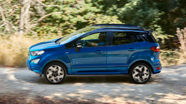 Ford EcoSport - side action
