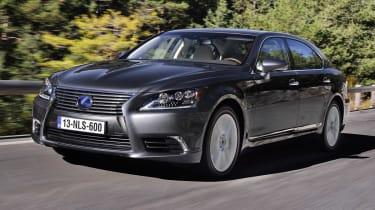 Lexus LS 600h front tracking