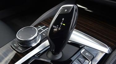 BMW 530e - transmission