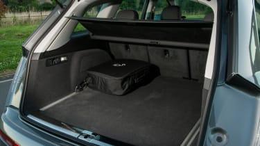Audi Q7 e-tron 2016 - boot