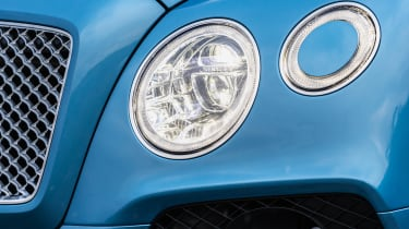Bentley Bentayga Hybrid - headlights