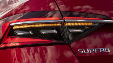 Skoda Superb - Superb badge