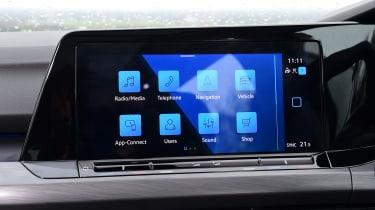 Volkswagen Golf Estate - screen