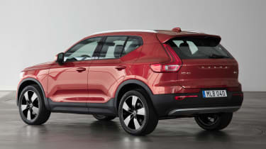 Volvo XC40 - Fusion Red rear