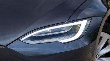 Tesla Model S - light