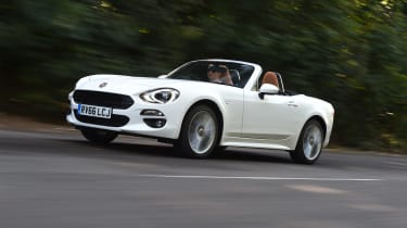 Fiat 124 Spider Moving Front