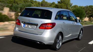 Mercedes B220 CDI 4MATIC Sport - rear tracking