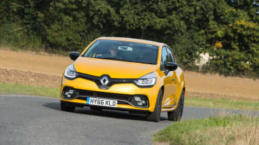 Renault Clio RS 220 Trophy - front tracking