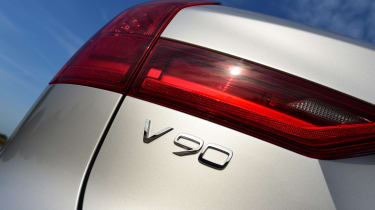 Volvo V90 T8 - V90 badge