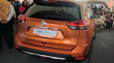 Nissan X-Trail - full rear reveal