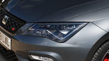 SEAT Leon ST Cupra 300 Carbon Edition - headlight