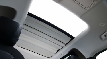 Land Rover Defender 90 D250 - sunroof
