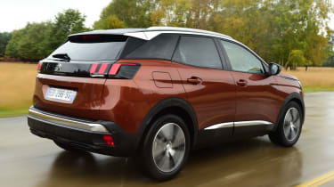 Peugeot 3008 brown - rear tracking