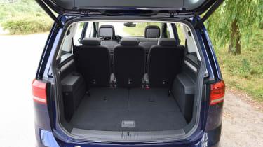 Volkswagen Touran (boot 5 seats)