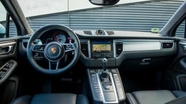 Porsche Macan S 2014 cabin