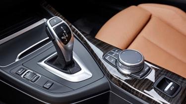 BMW 220d Convertible - centre console