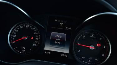 Mercedes X-Class - speedo
