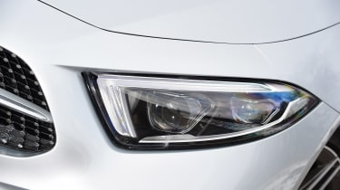 Mercedes CLS - front light