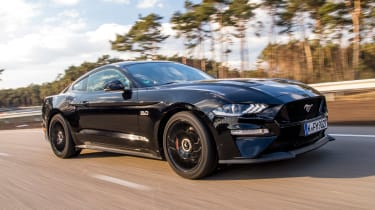Ford Mustang 10-speed auto - front action