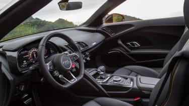 Audi R8 Spyder 2016 - interior