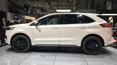 2018 Ford Edge side profile