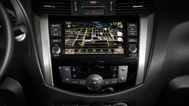 Nissan Navara Double Cab - infotainment